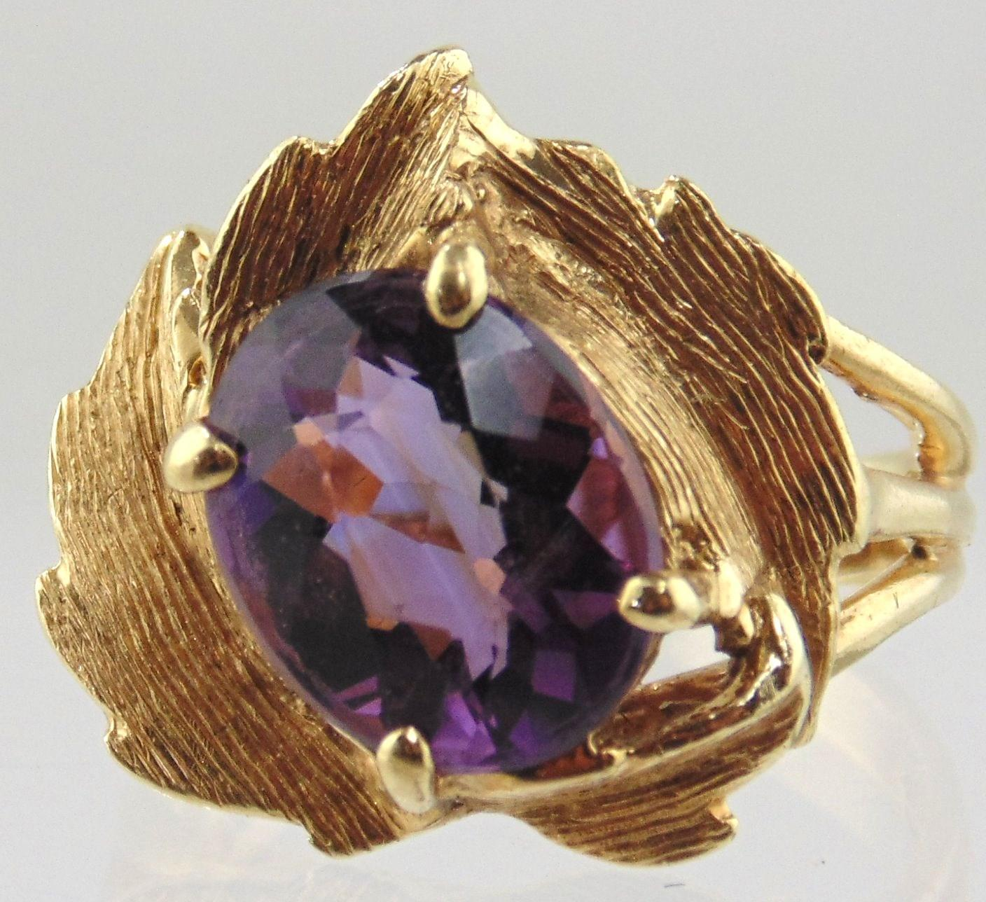 Amethyst Ring 14kt Yellow Gold - Floral Design