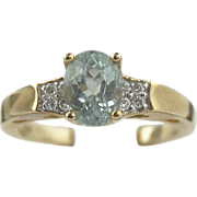 Aquamarine & Diamond Ring 14kt Yellow Gold