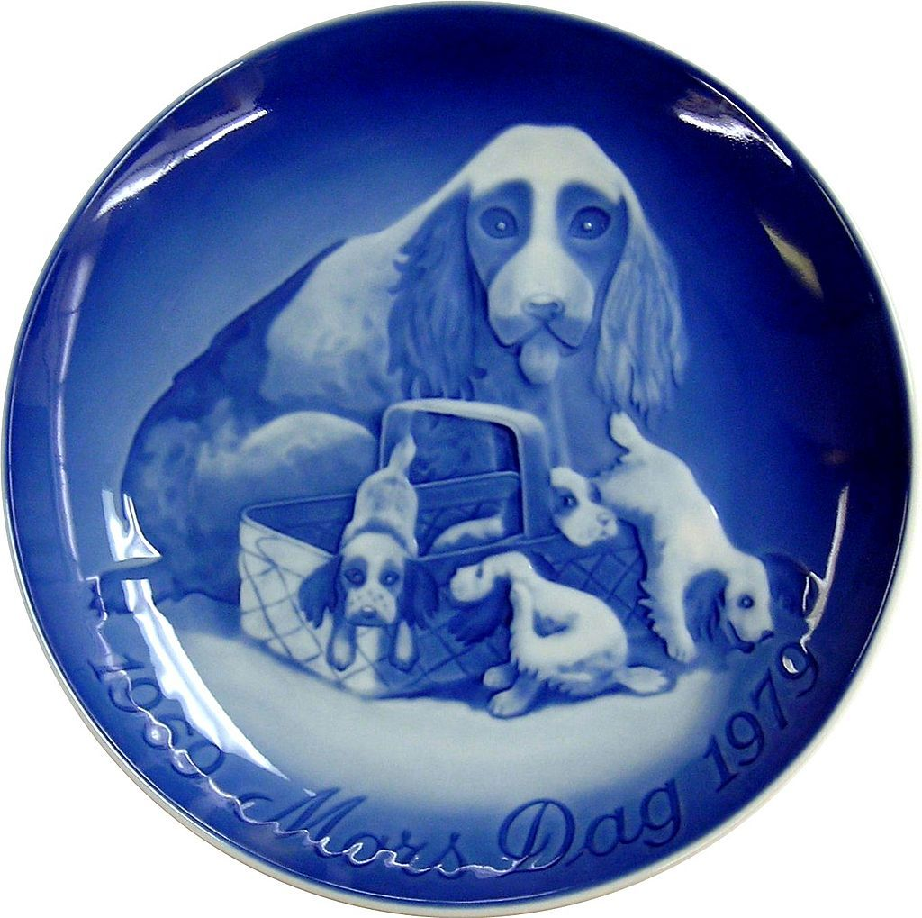 Mother's Day Plate of Dog & Puppies by Bing & Grondahl / B & G