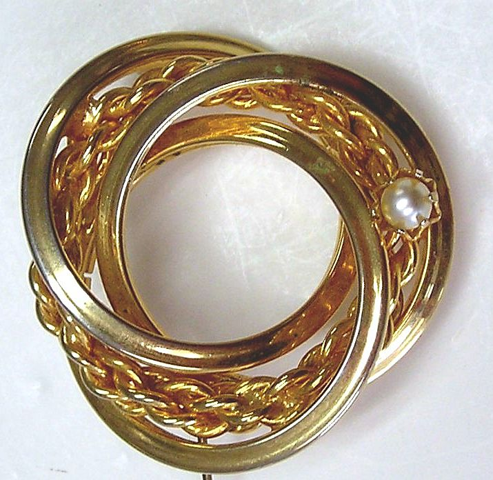 Four Circle Gold Tone Pin With Faux Pearl - Vintage