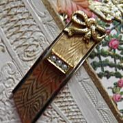 Elegant 1932 Ribbon & Bow Dress Clip
