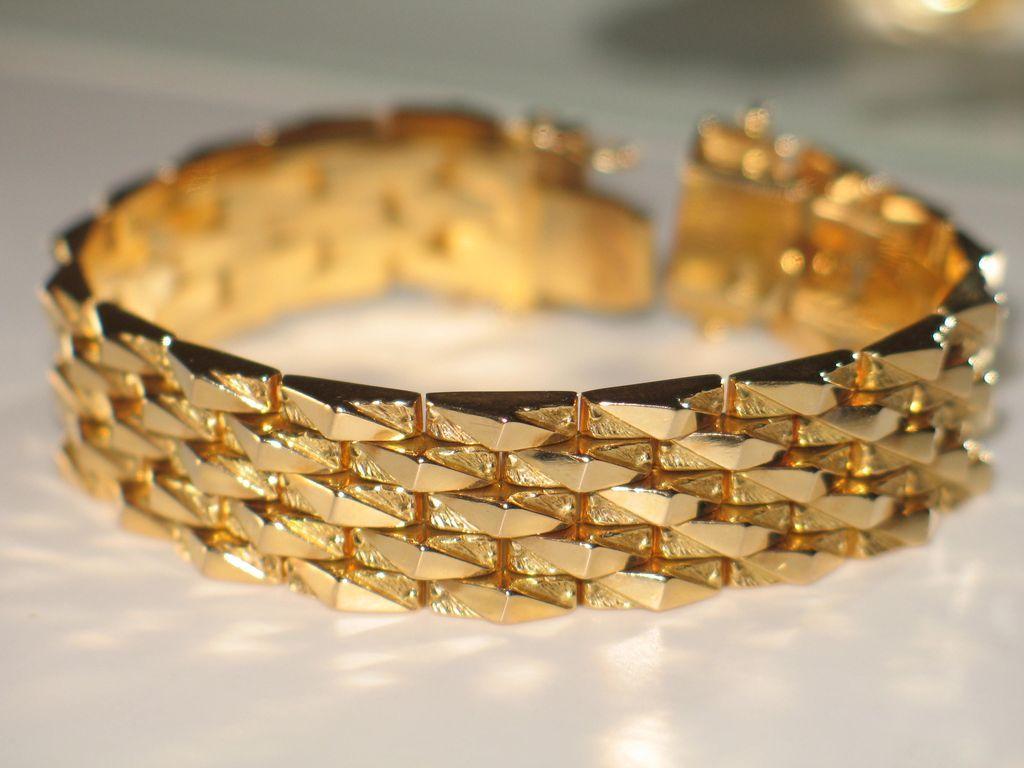 Vintage Italian Gold Bracelet.  18k Yellow Gold, wide bracelet.