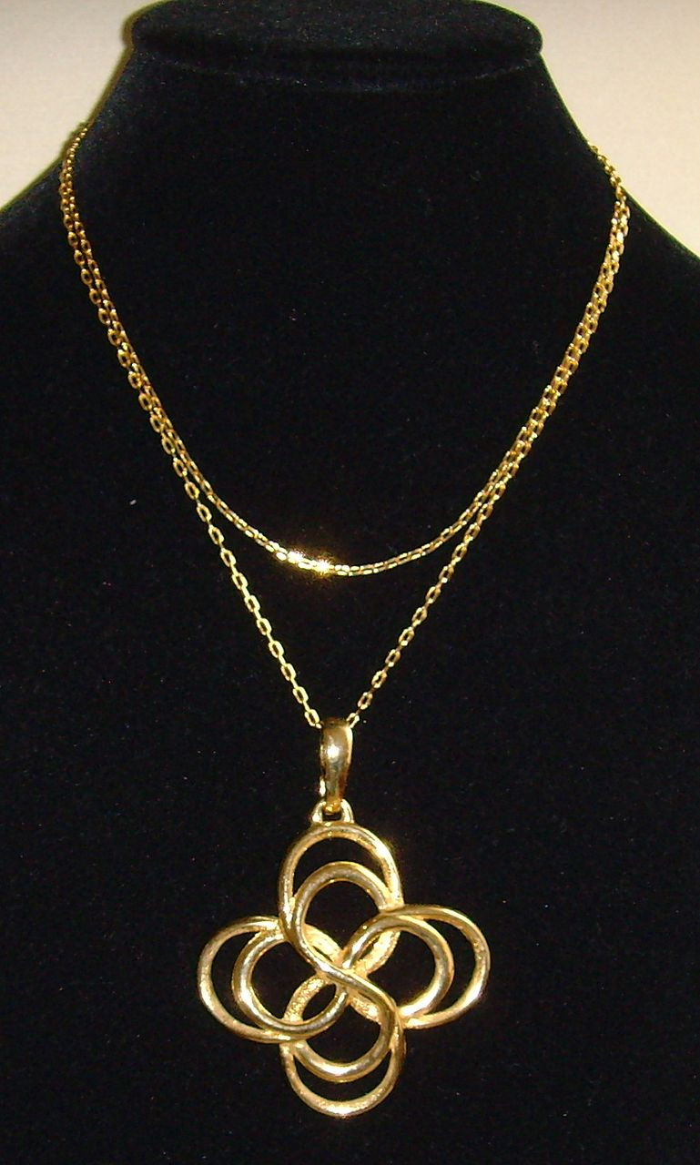 Gold Tone Circle in Circle Necklace