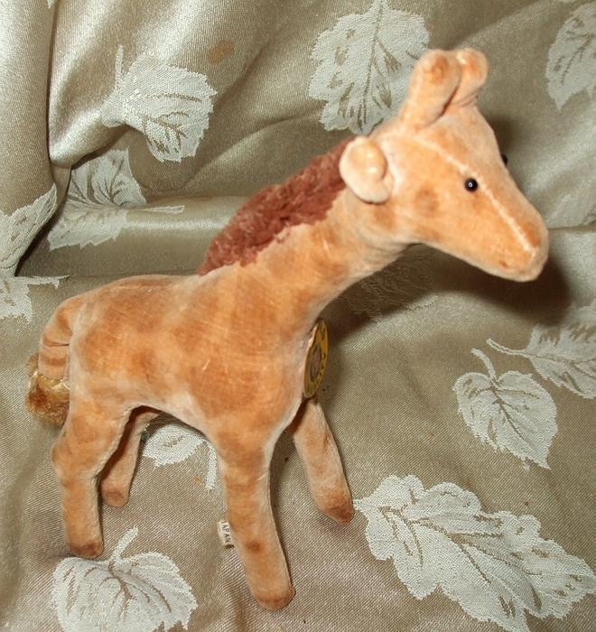 Made In Japan Velventeen Giraffe