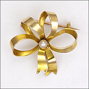Art Deco 9K Gold and Pearl Dimensional Bow Pin