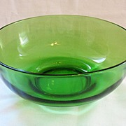 "Vintage Collectible Emerald Green 9 1/4"" Bowl 1940-50s Mint Condition"