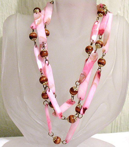 50% OFF~Rare Vintage Necklace Pink Aquatic Mollusk Lip Shell & Wood Beaded