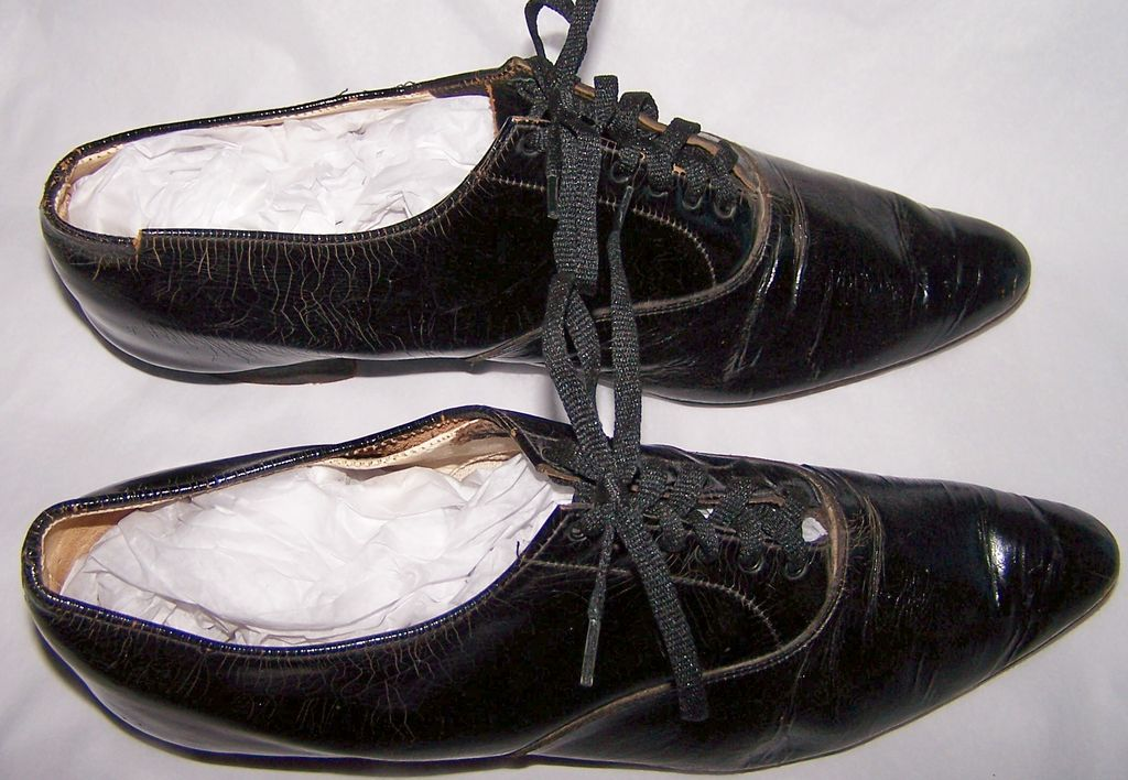 Women's Low Heel Tie Victorian Shoes
