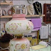 Consolidated Glass Company Cosmos Lamp - Pink Pastel Colors