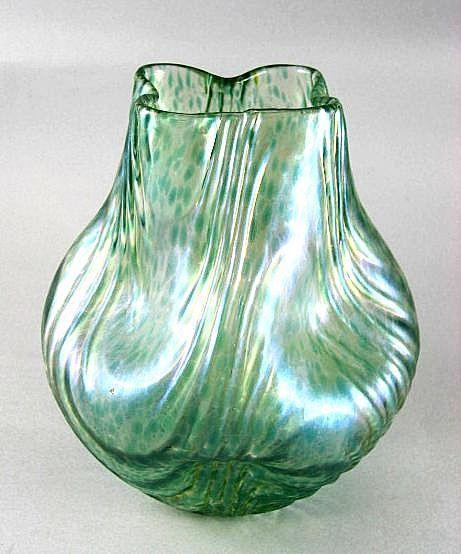 Loetz  Oceanik  Circa  1902  Vase - Rare  Shape
