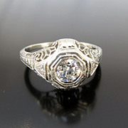 Outstanding 14K Art Deco Filigree Diamond Ring