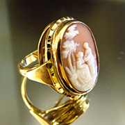 Vintage Lady's 14K Scenic Cameo Ring