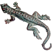 Vintage 1950's Peerless Products Advertising Cast Iron Lizard