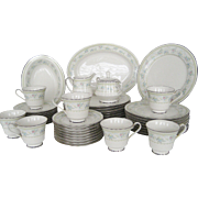 "44 Piece Set Noritake ""Delight"" Dinnerware - FREE SHIPPING"
