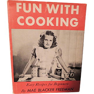 """Darling """"Fun With Cooking"""" Child's Cookbook with Dust Jacket"""
