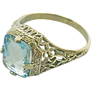 Glowing Art Deco Natural Aquamarine in A 14K White Gold Mounting