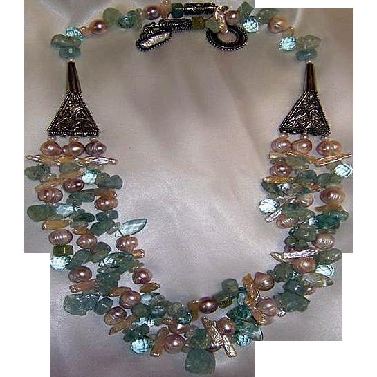 Aquamarine & blue topaz beads : Aqueous