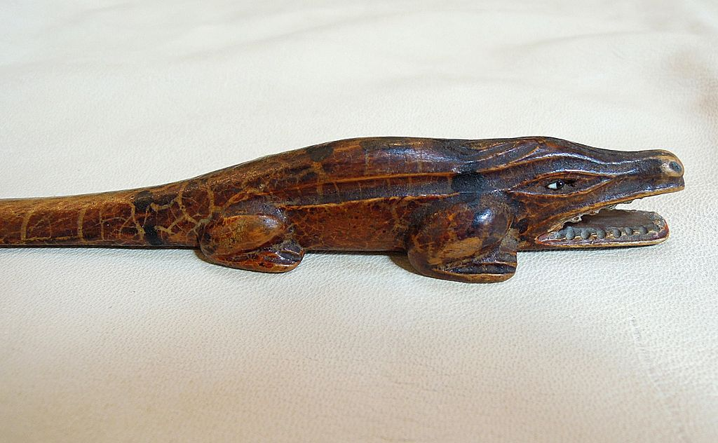 A wonderful Hand Carved Alligator Paper Knife, Letter Opener, Page Turner, Treen