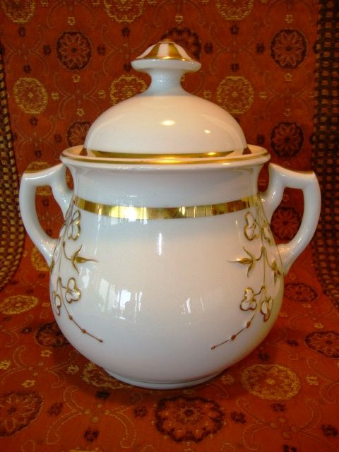 OUTSTANDING Limoges Porcelain 1lb Sugar / Cracker Jar ~ White with Gold ~ B & D Bawo & Dotter Limoges France 1880's to early 1900's
