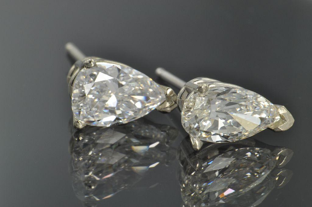 1.41 Carat Pear Shaped Diamond Stud Earrings / GIA Certified