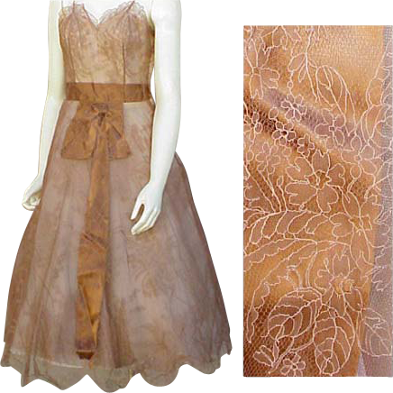 Spectacular 1950s - 1960s Silk Chantilly Lace Cocktail Dress Lace France Size Small