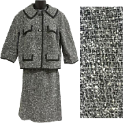 1960s Women's Tweed Suit Size Medium Jackie O Chanel Styling