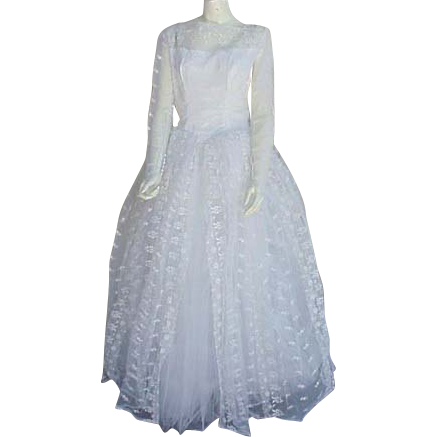 1950s - 1960s Vintage Wedding Dress Intricate Embroidered Lace Bust 36