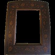 """Lovely Vintage Wood Frame, Floral Decoration, 6"""" x 8"""""""
