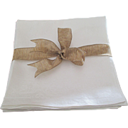 "Set Of 8 Irish Linen Unused 22 x 22"" Napkins"