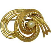 Bellini Pin ~ Goldtone, Clear Stones, Faux Pearl ~ Quality