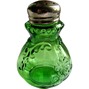 """Intaglio"" pattern, Northwood Glass salt shaker"