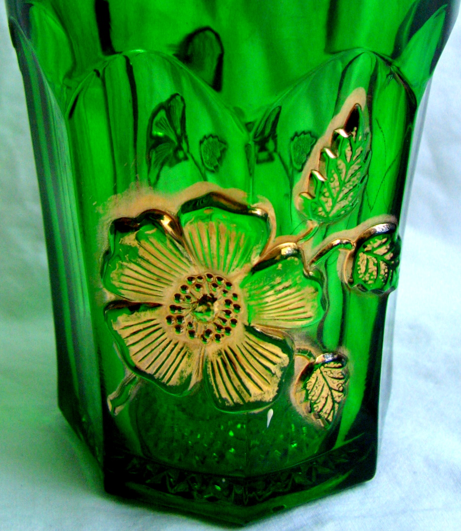 Northwood Glass Eapg 'Gold Rose' tumbler, Emerald green