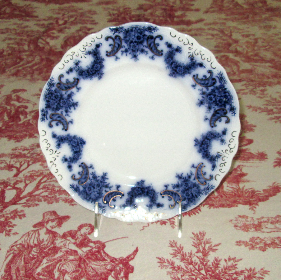 """English Flow Blue Pottery 9"""" Nelson Plate"""