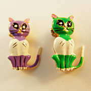 Tiny Plastic Scatter Pins of Brightly Coloured Kitties, Made in Korea c.1950