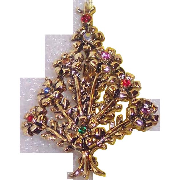 Beatrix Pom Pom Christmas Tree Pin ~ Book Piece