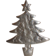 RARE Vero Signed Silver Hammered Modernist Christmas Tree Pin