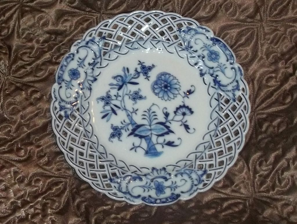 Antique Blue White Onion Reticulated Meissen Plate Estate China Gorgeous #1