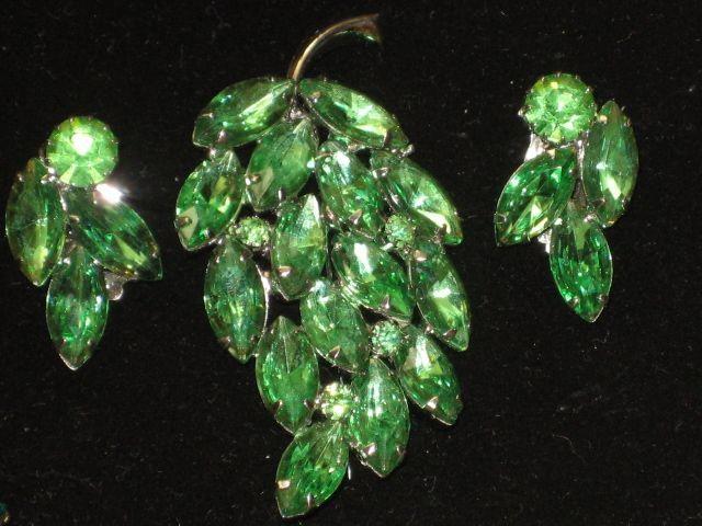 Vintage 2 Piece Green Rhinestone Leaf Brooch & Clip on Earrings Set