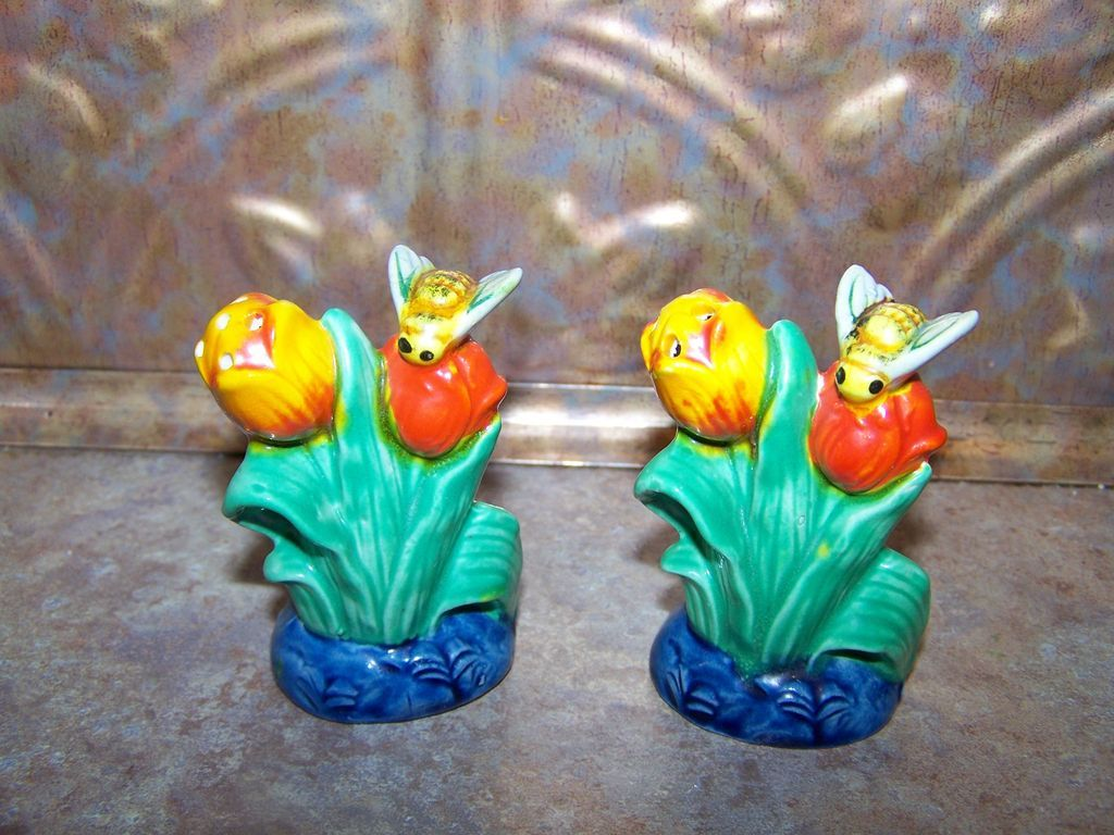 Majolica Style Colorful Ceramic Salt & Pepper Shakers MIJ