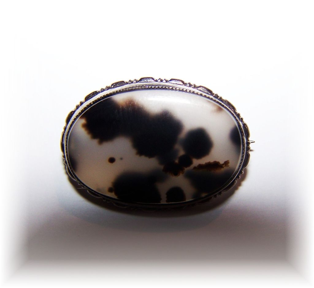 Vintage Sterling Silver Spotted Dalmation  Agate Pin / Brooch