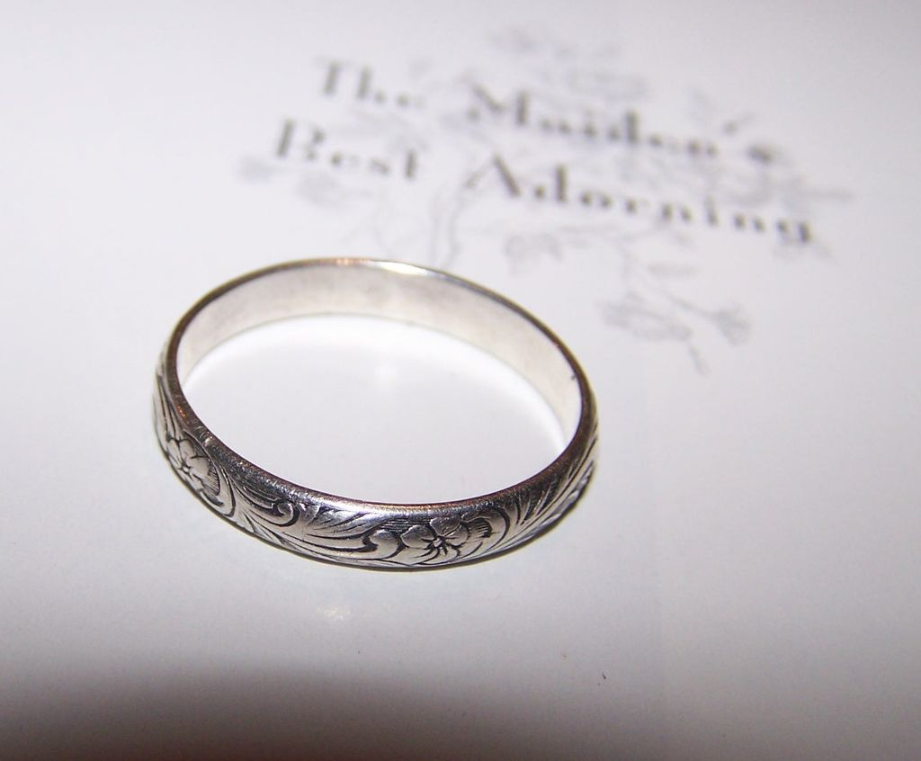 Vintage Silver Floral Scroll Engraved / Etched Band Ring