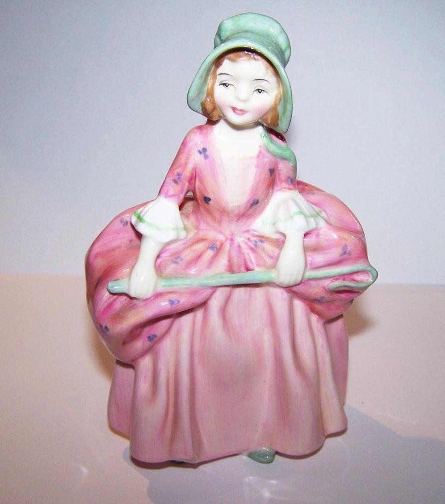 Discontinued Royal Doulton Figurine Bo - Peep HN 1811