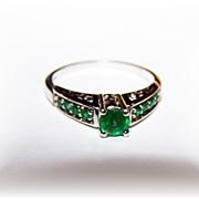 Lovely  Vintage Sterling Silver Emerald Paste Ring