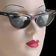 Vintage 1950s 1960s Tortoise Shell Look Cat Eye Sunglasses