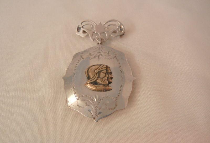 Outstanding Edwardian Sterling sweetheart Kings soldiers Locket Brooch