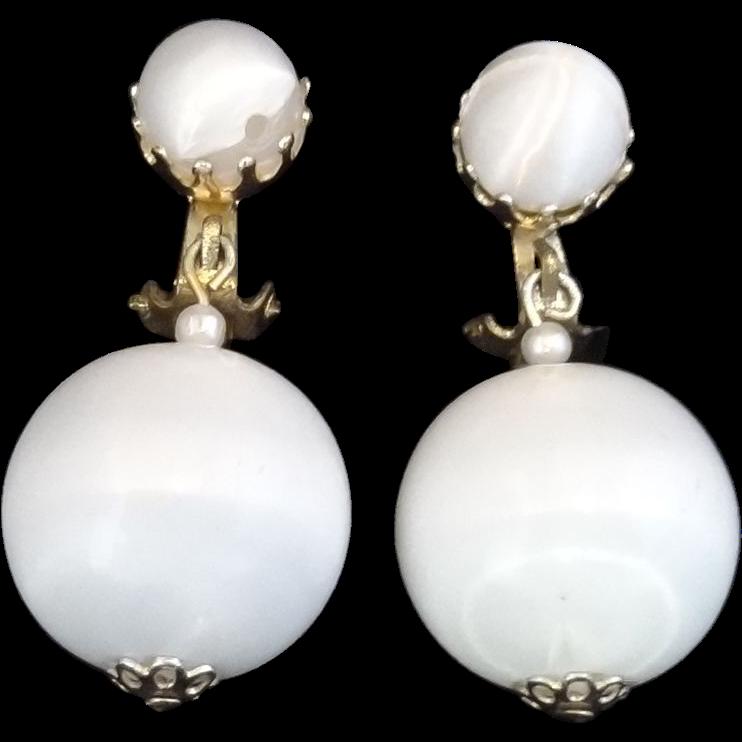 Vintage Summer White Ball Drop/Dangle Earrings