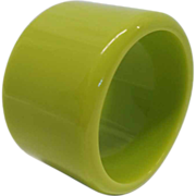 Vintage Chunky Wide Lime Green Lucite Bangle Bracelet
