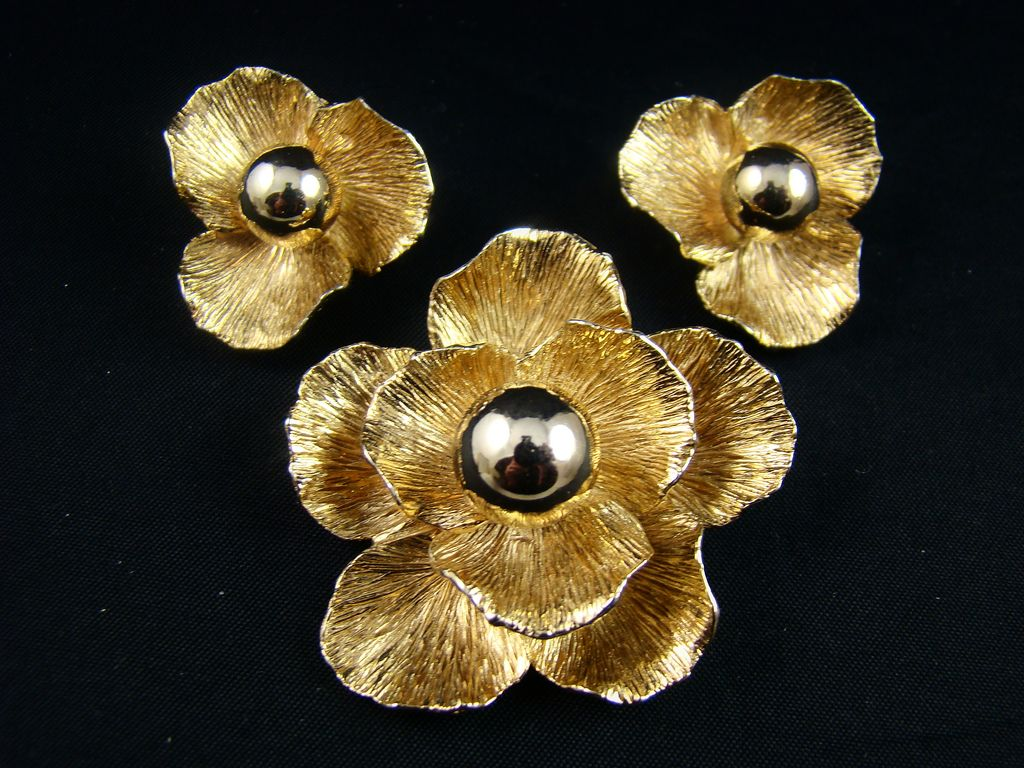 Rare Julio Marsella 1940s Gold Tone Brooch and Earrings