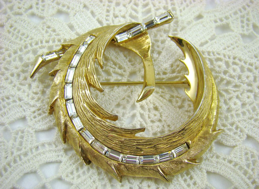 PELL Stunning Rhinestone Baguette Brooch ~ Back Street Collection