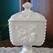 Westmoreland Beaded Paneled Grape Square Candy Dish